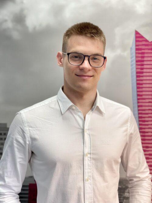 New sales competences mean a better life. Interview Piotr Sawosz